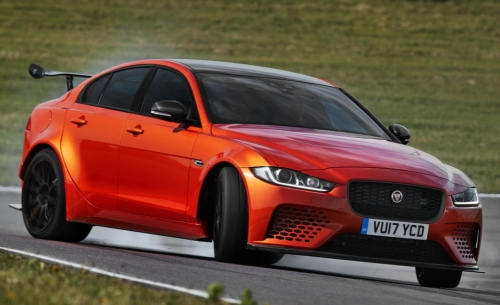 Новый Jaguar XE SV Project 8 пытается побить рекорд Нюрбургринга